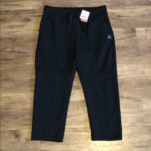 Reebok Pants - NWT Reebok cropped athletic jogger pants